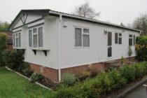 Photo: 2 Bedrooms, Beech Park, Hertfordshire