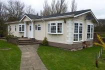 Photo: 3 Bedrooms, Bushey Hall Park, Hertfordshire