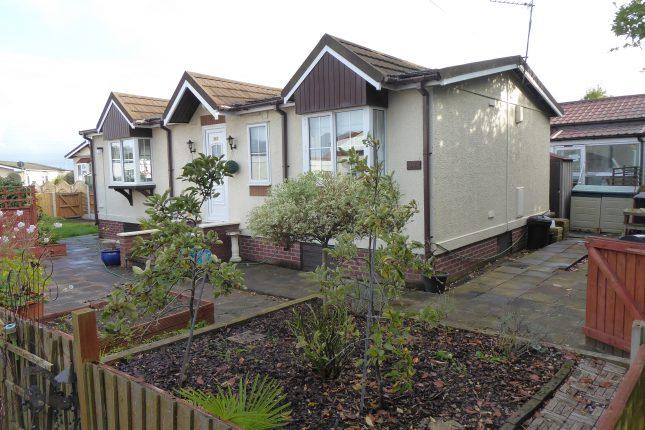 Photo: 2 Bedrooms, Willow Park, Deeside