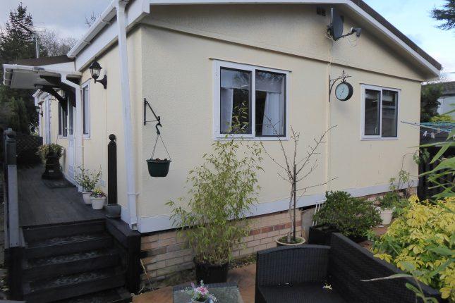 Photo: 2 Bedrooms, Breach Barnes Park, Essex