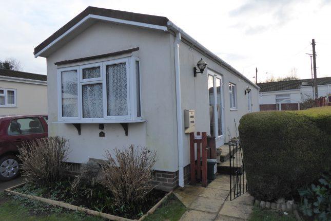 Photo: 2 bedrooms , Surrey Hills Park, Surrey