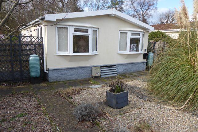 Photo: 2 Bedrooms, Warren Park, Surrey