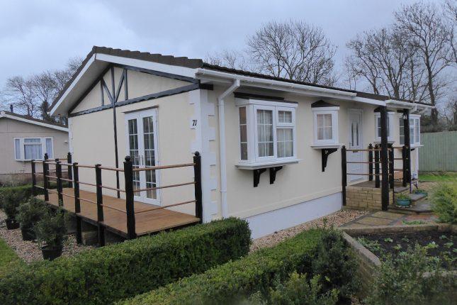 Photo: 2 Bedrooms, Greenacres Park, Gloucestershire