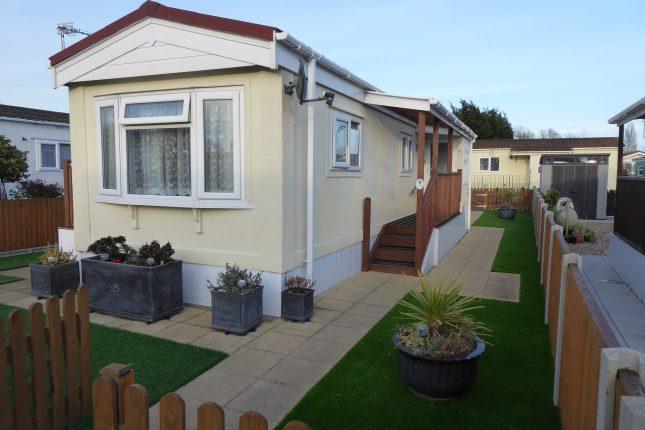 Photo: 2 Bedrooms, Grange Farm Estate, Surrey