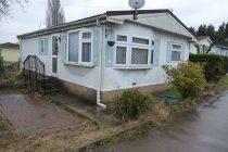 Photo: 2 bedrooms, Lakeview Park, Essex