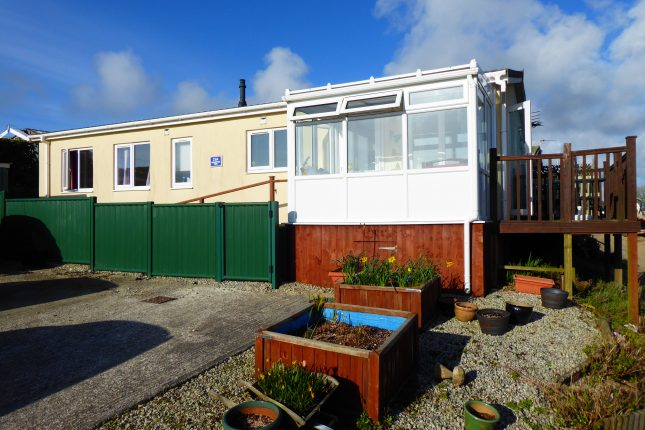 Photo: 2 Bedrooms, Planet Park, Cornwall